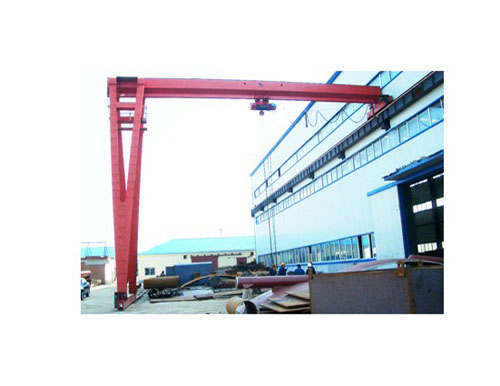 Outside half door crane
